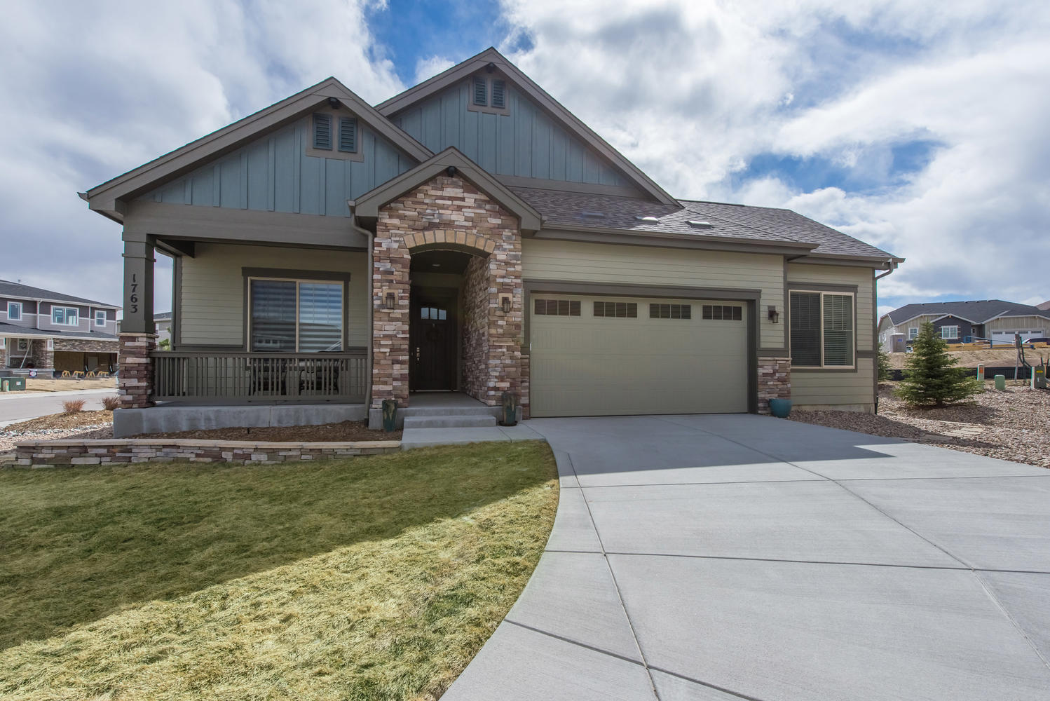 Single Family Home for Active at Better than new contemporary ranch home. 1763 Diamond Head Drive Castle Rock, Colorado 80104 United States