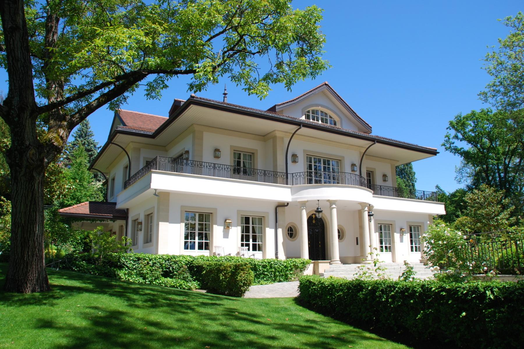 Casa para uma família para Venda às Superb mansion close to Denantou park Lausanne, Vaud, 1006 Suíça