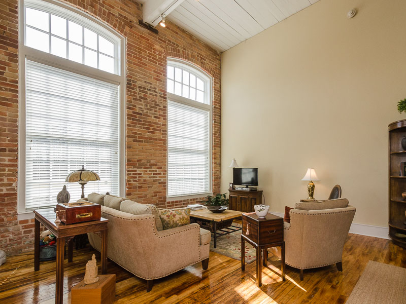 Additional photo for property listing at 305 Historic Cotton Mill Condo 723 McMullan Ave Edenton, North Carolina 27932 United States