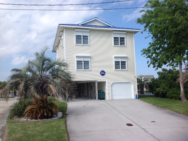 Single Family Home for Sale at Captivating Views of the Intracoastal 6118 6th Street Surf City, North Carolina 28445 United States