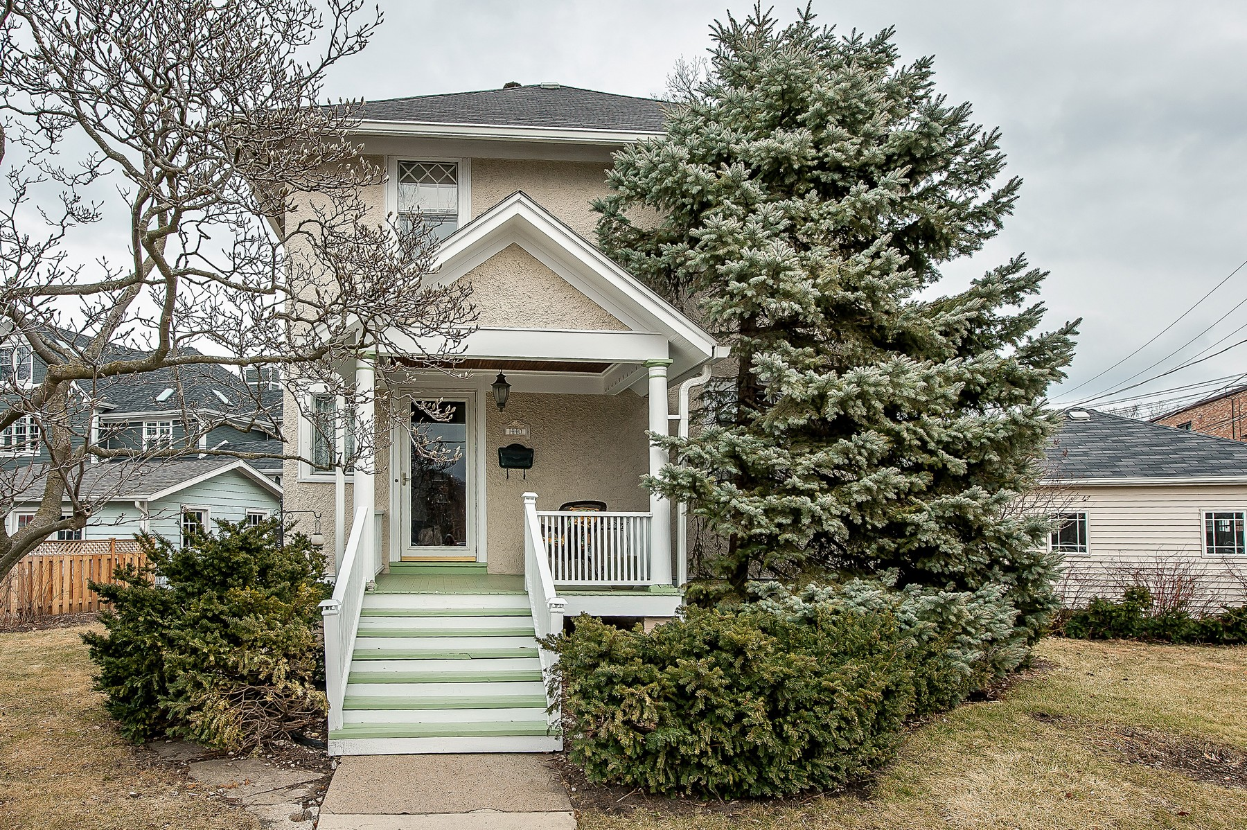 独户住宅 为 销售 在 Charming East Wilmette Home 440 Poplar Drive 威尔梅特, 伊利诺斯州, 60091 美国