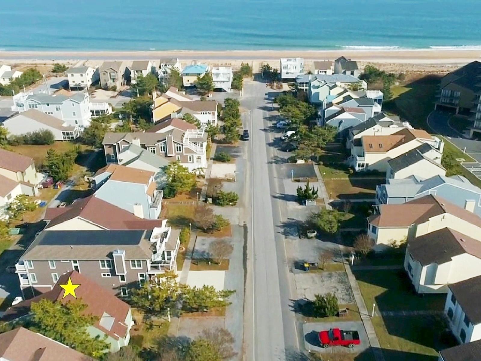 Частный односемейный дом для того Продажа на 119 Cedarwood Street , Bethany Beach, DE 19930 119 Cedarwood Street Bethany Beach, Делавэр, 19930 Соединенные Штаты