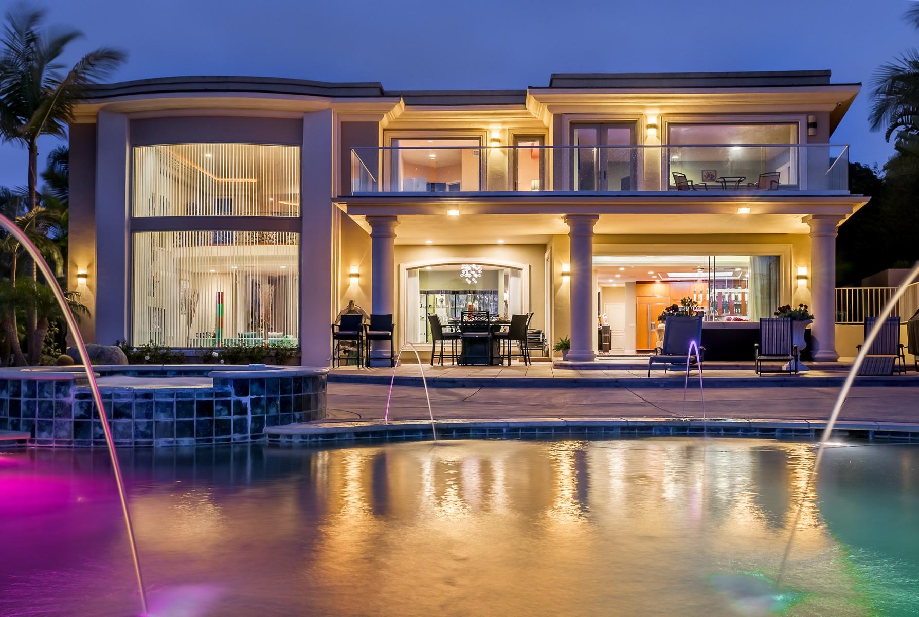 Single Family Home for Active at 6092 Avenida Chamnez 6092 Avenida Chamnez La Jolla, California 92037 United States