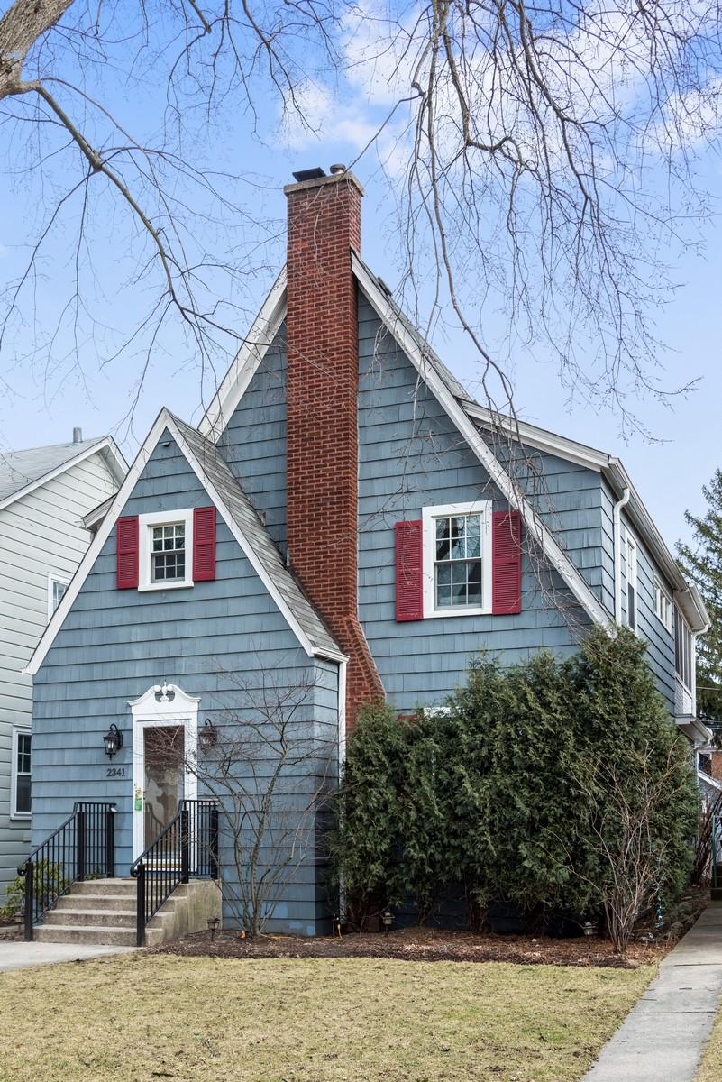 Single Family Home for Sale at Picture Perfect Tudor in NW Evanston 2341 Ridgeway Avenue Evanston, Illinois 60201 United States