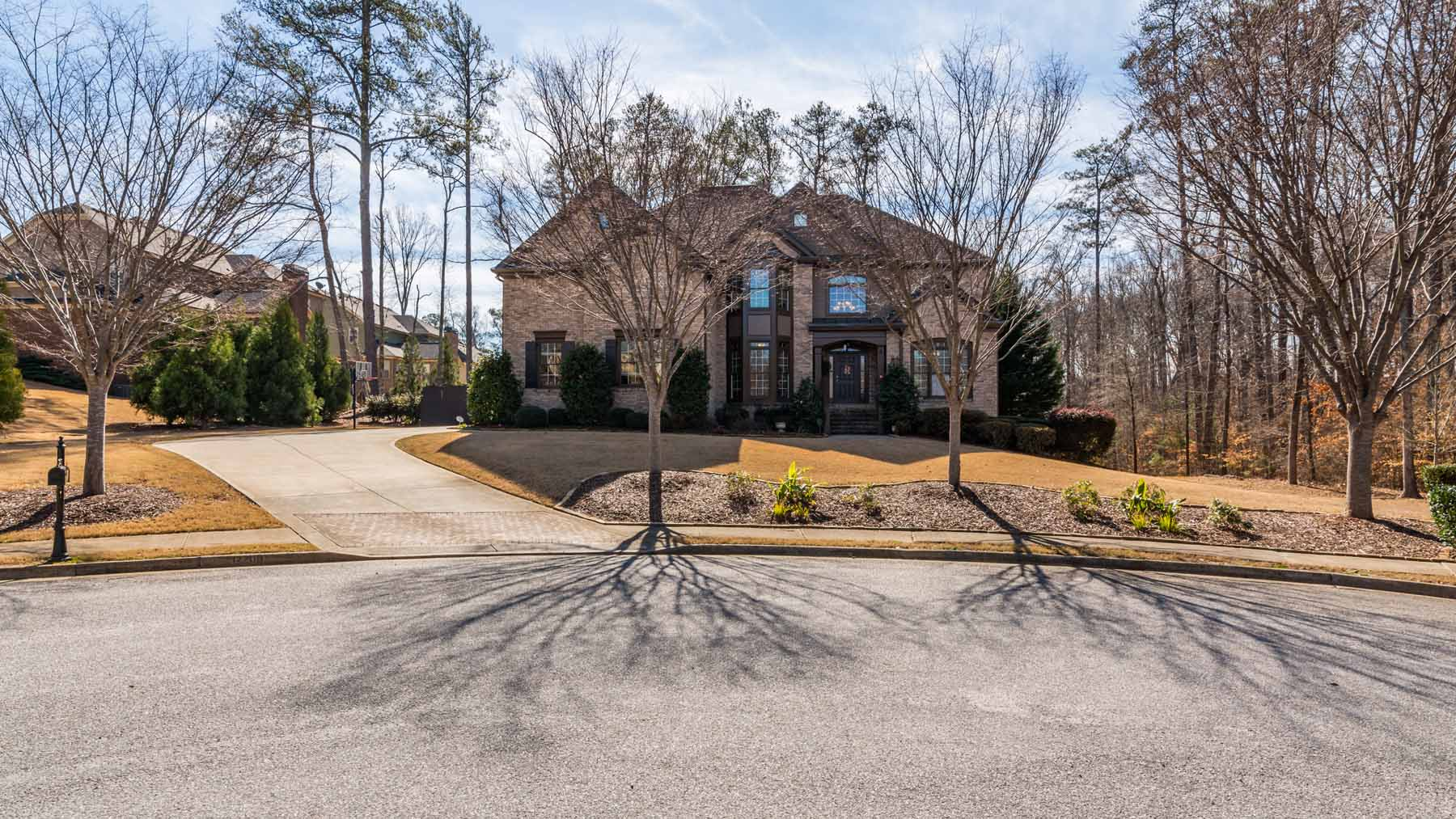 Villetta a schiera per Vendita alle ore Unbelievable Home With Resort-Like Pool In Perfect Alpharetta Location 12200 McCoy Way Alpharetta, Georgia, 30004 Stati Uniti