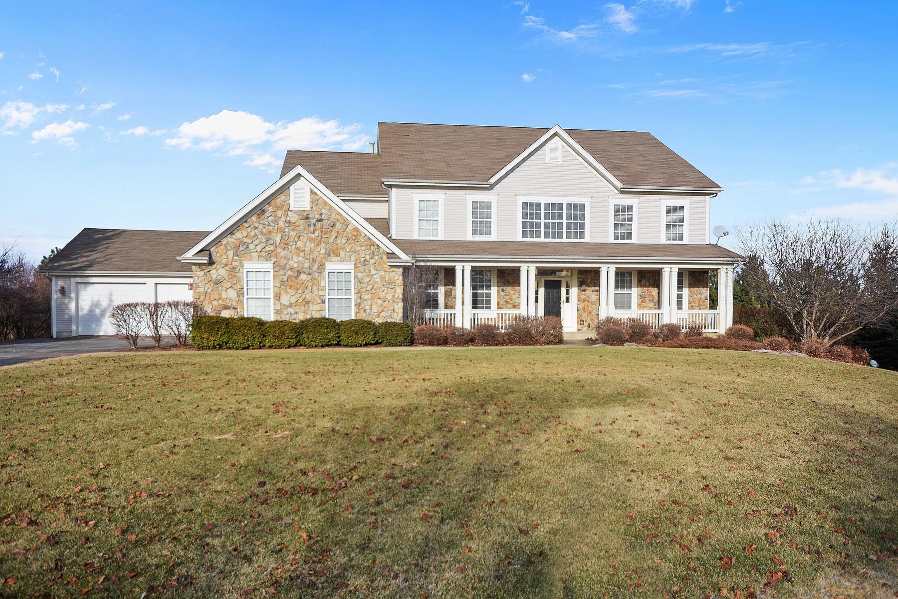 Tek Ailelik Ev için Satış at Fabulous Home on over an Acre 37W130 Baker Hill Court St. Charles, Illinois, 60175 Amerika Birleşik Devletleri