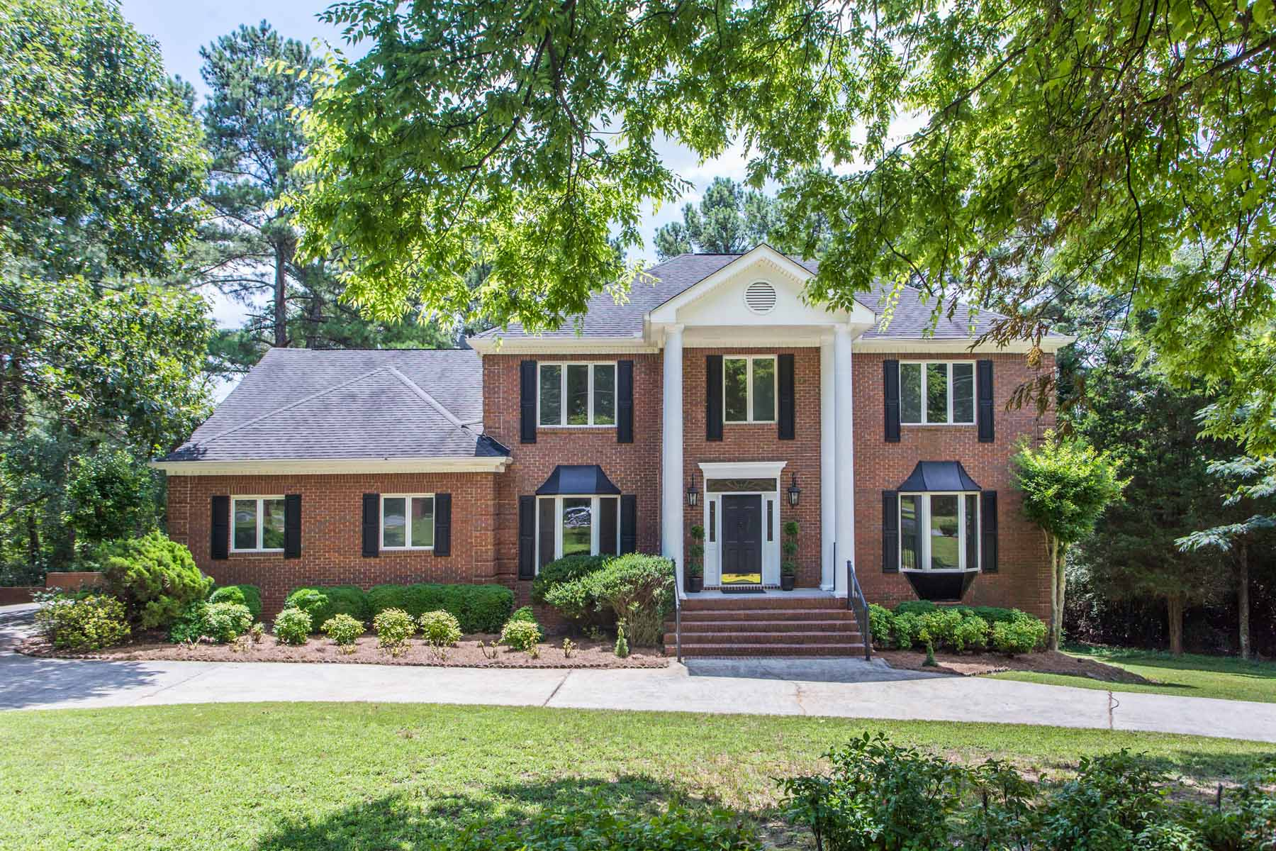 Single Family Home for Sale at Timeless Georgian Brick 7775 Jett Ferry Road Dunwoody, Georgia, 30350 United States