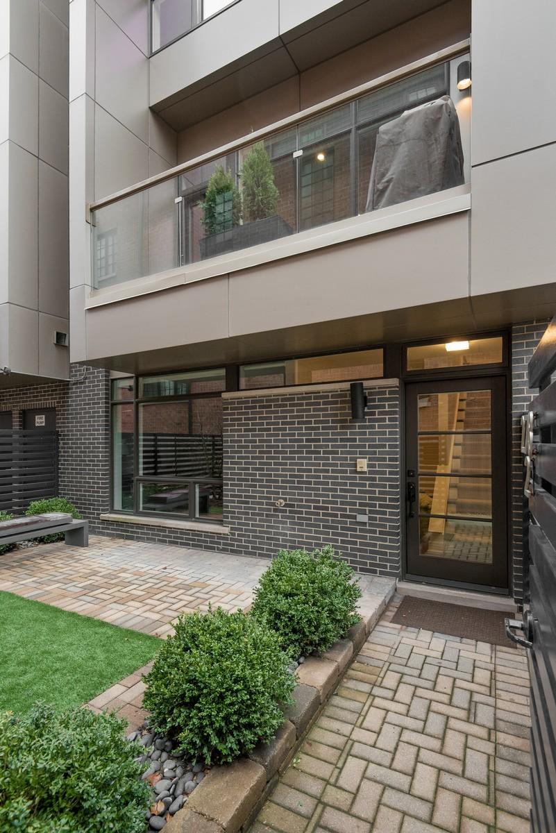 タウンハウス のために 売買 アット Stunning Lincoln Park Row Home 2748 N Lakewood Avenue Unit 2 Lincoln Park, Chicago, イリノイ, 60614 アメリカ合衆国