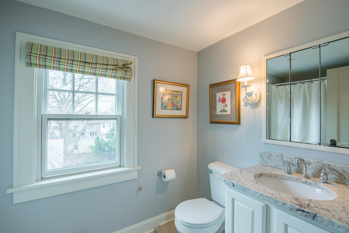 Additional photo for property listing at 1941 Chelsea Road 1941 Chelsea Rd Upper Arlington, Ohio 43212 United States