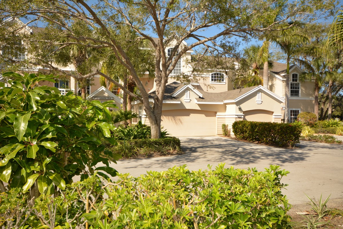 Condominium for Sale at Sea Oaks Lakeside Villa 8735 Lakeside BLVD, #211 Vero Beach, Florida, 32963 United States