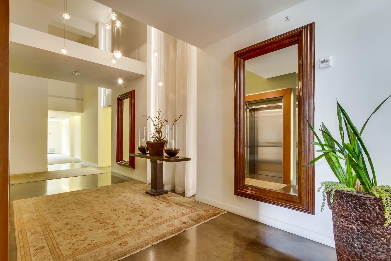 Additional photo for property listing at 845 Fort Stockton Drive, 311  San Diego, California 92103 Estados Unidos