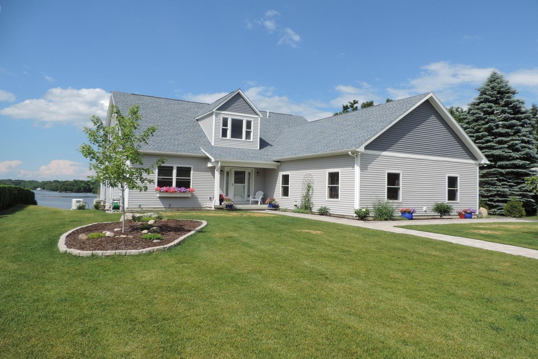 Maison unifamiliale pour l Vente à Cape at the Lake 14 Lakeview Drive Kinderhook, New York 12184 États-Unis