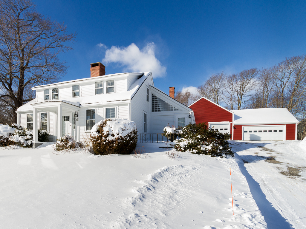 Single Family Home for Sale at Gilchrest House 10 Sea Street Tenants Harbor, Maine 04860 United States