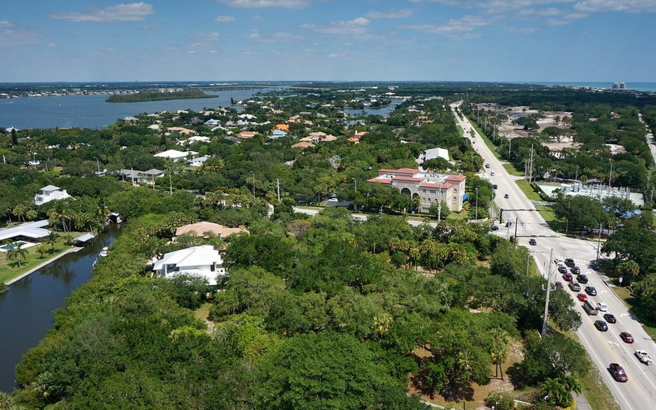 Land for Sale at Riomar Cove Homesite 1650 Riomar Cove Lane Vero Beach, Florida 32963 United States