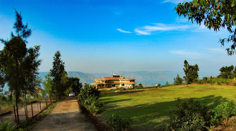 Casa para uma família para Venda às Mahabaleshwar-Scenic Farmhouse Other Maharashtra, Maharashtra, Índia