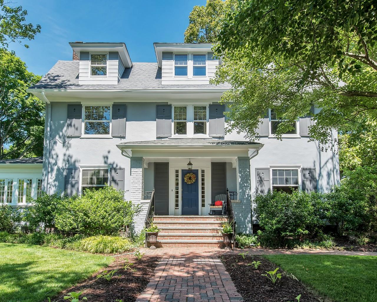 Vivienda unifamiliar por un Venta en Architectural Gem 136 Christopher Street Montclair, Nueva Jersey, 07042 Estados Unidos