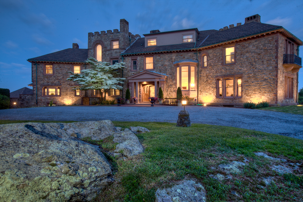 Maison unifamiliale pour l Vente à The Wyndham Estate 36 Beacon Hill Road Newport, Rhode Island 02840 États-Unis