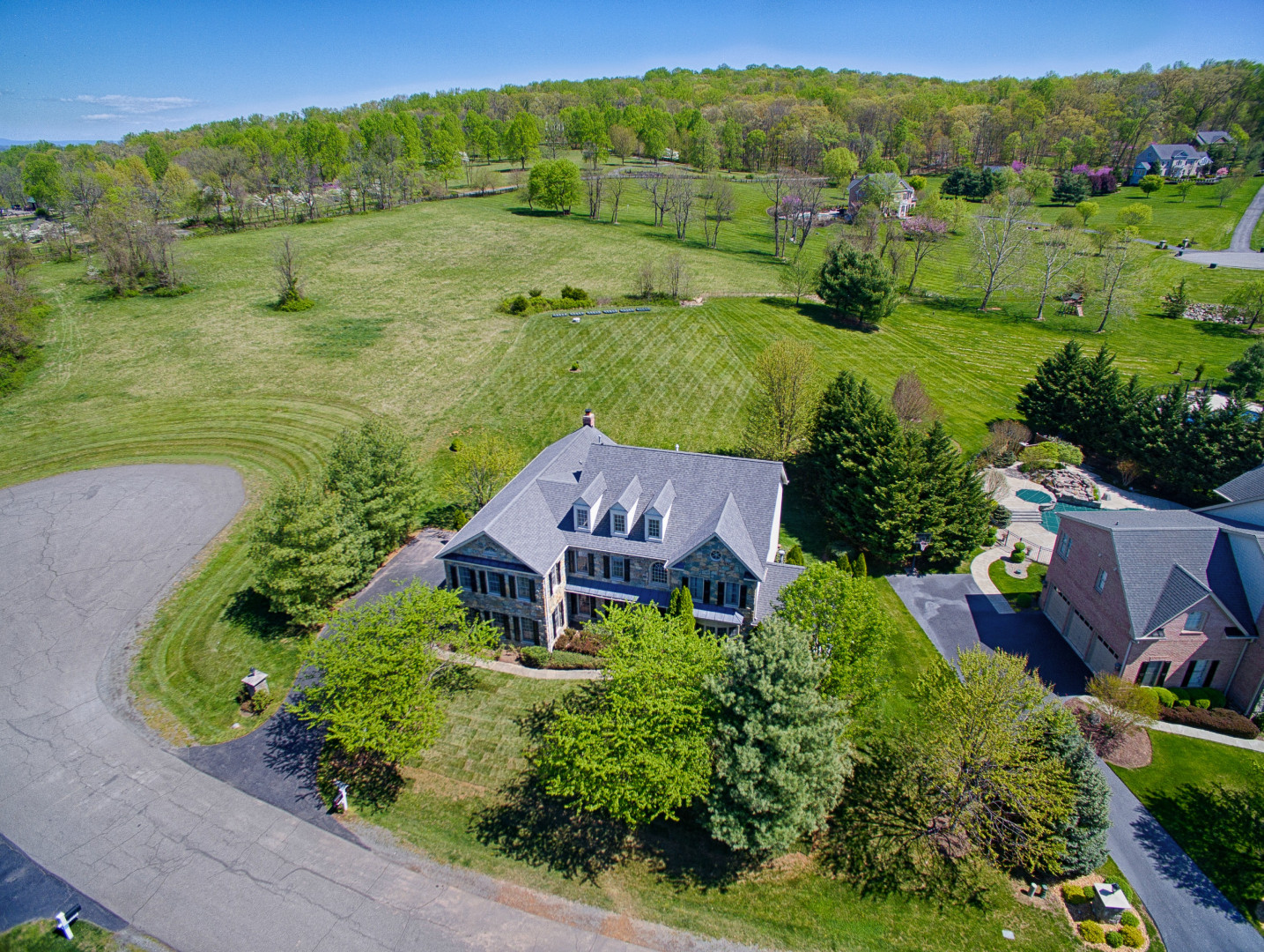 Single Family Home for Sale at Stylish Country Estate 40276 Iron Liege Court Leesburg, Virginia, 20176 United States
