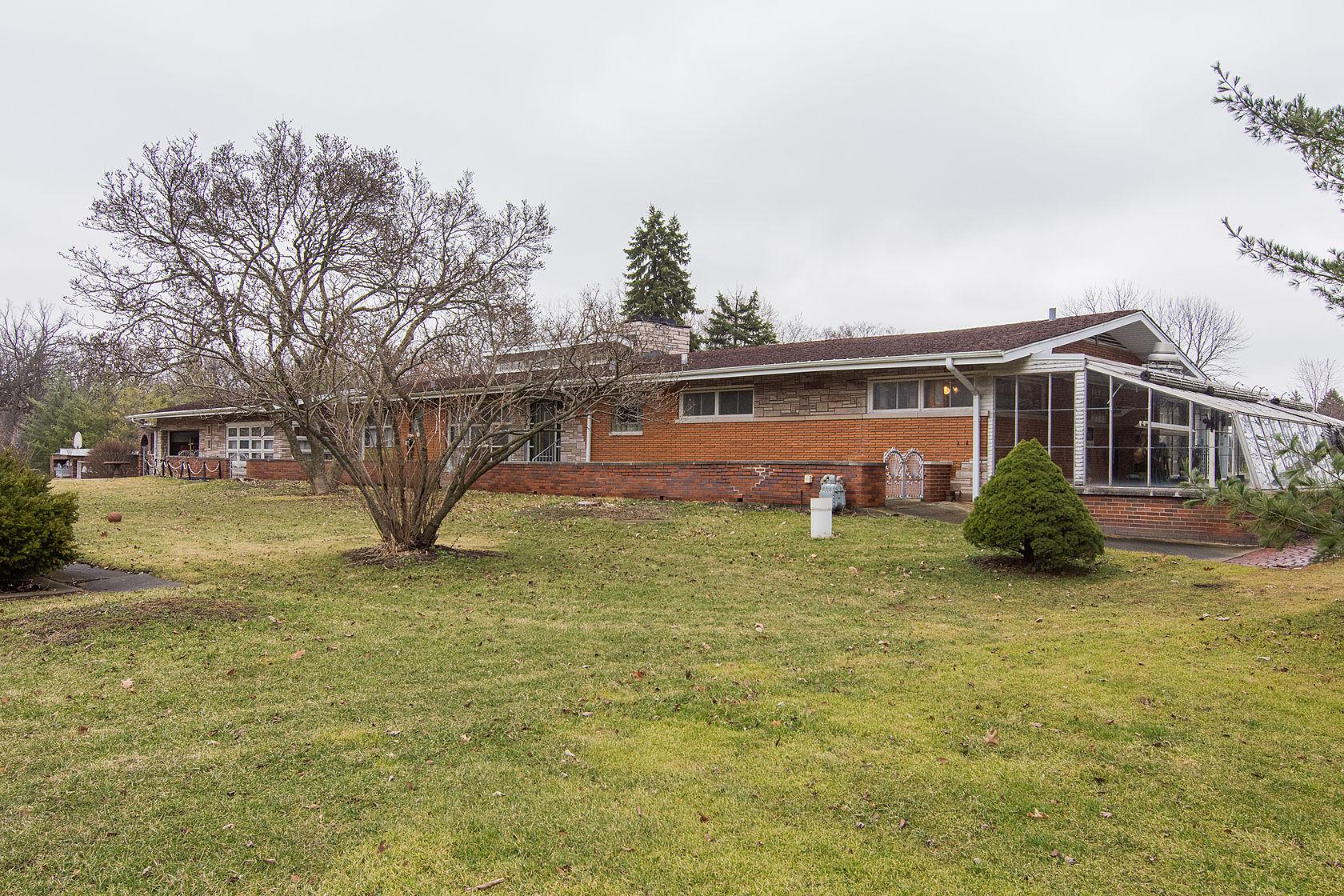 Nhà ở một gia đình vì Bán tại 12011 S. Winslow Rd. 12011 S Winslow Palos Park, Illinois, 60464 Hoa Kỳ