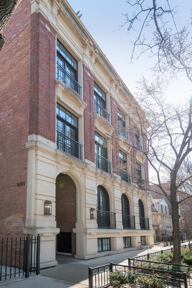 Kat Mülkiyeti için Satış at Expansive Stunning Home 1919 N Sheffield Avenue Unit 2 Chicago, Illinois, 60614 Amerika Birleşik Devletleri