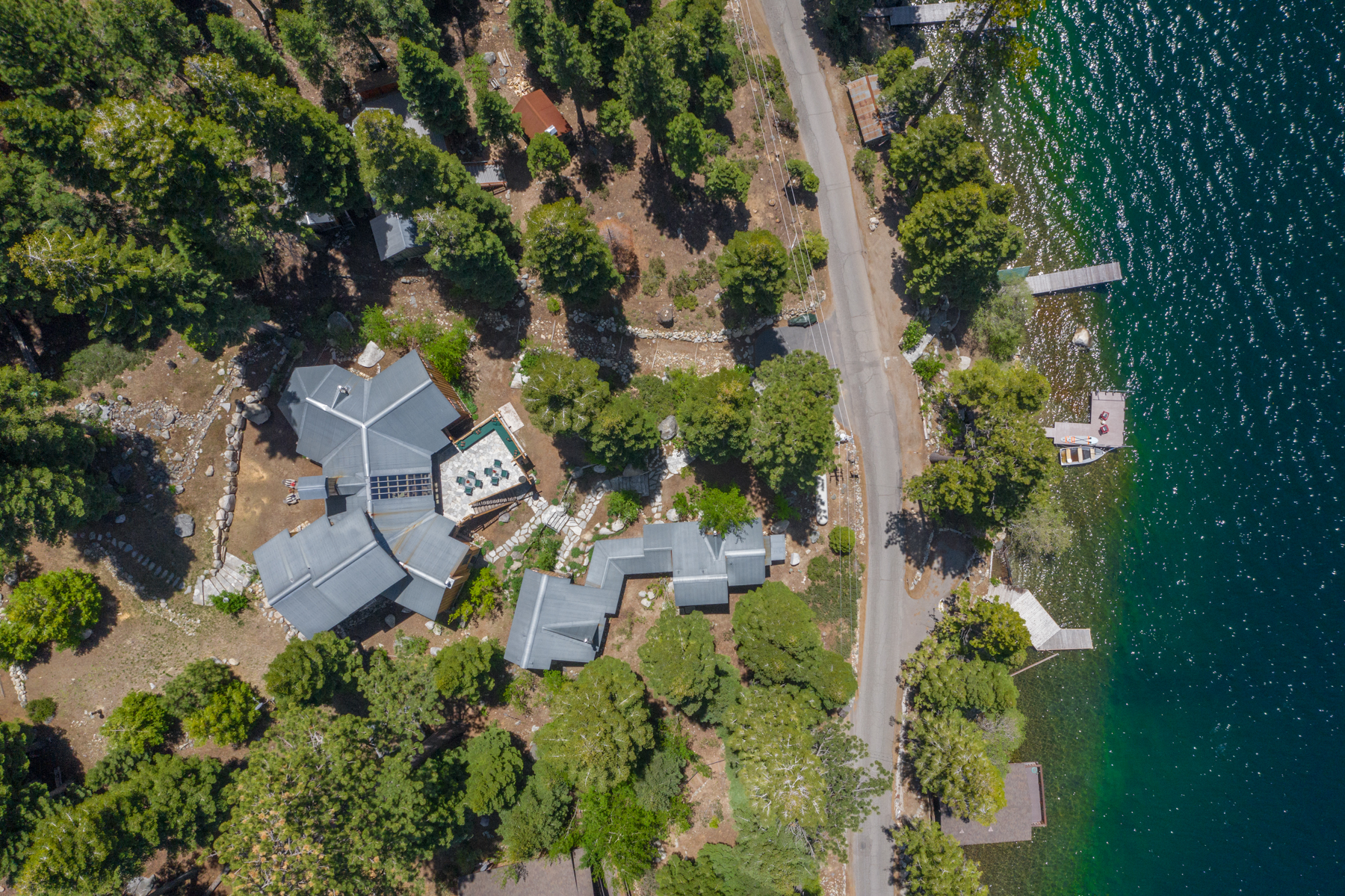 Additional photo for property listing at 661 Fallen Leaf Road, South Lake Tahoe, CA 96150 661 Fallen Leaf Road South Lake Tahoe, California 96150 United States