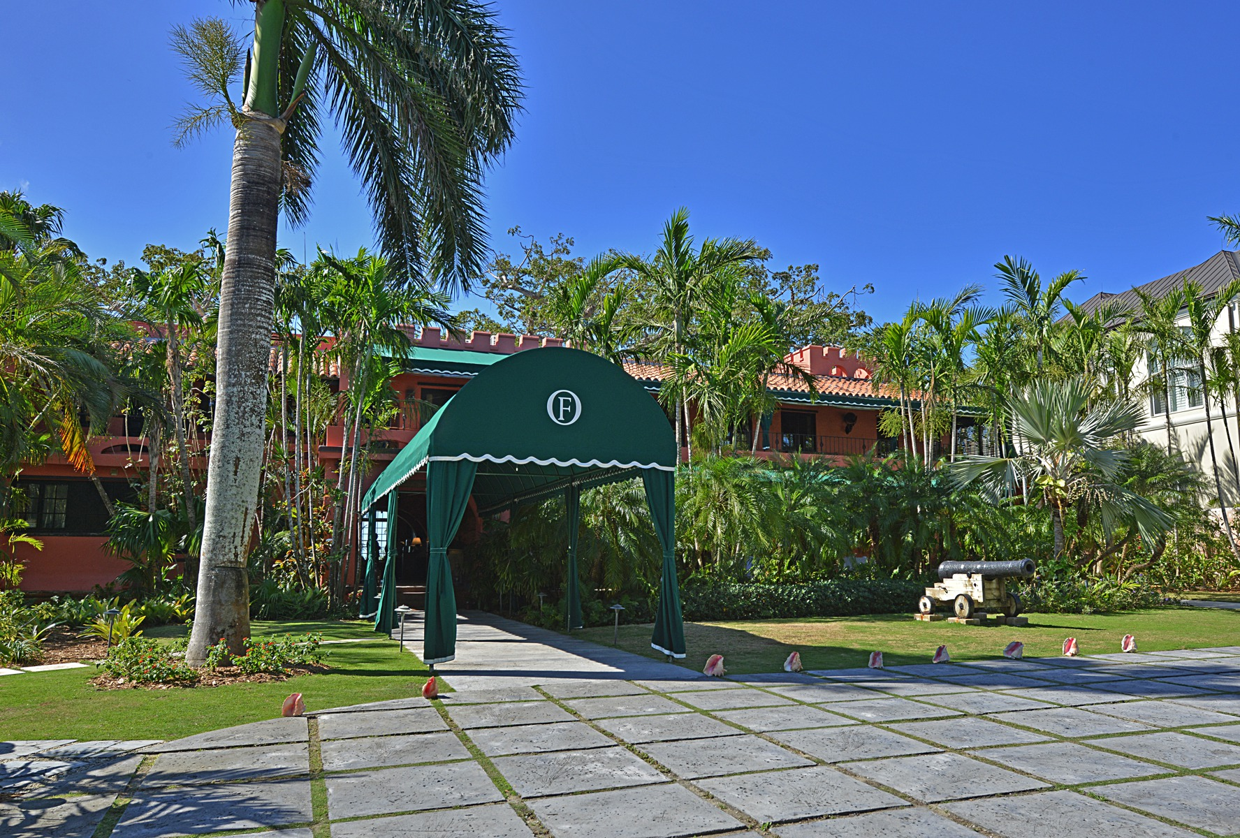 Additional photo for property listing at Club Villa Lot in Old Fort Bay Old Fort Bay, New Providence/Nassau Bahamas