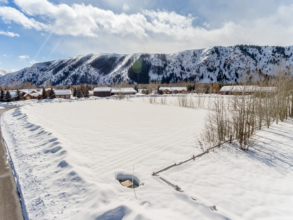 Land for Sale at Close to Hailey with Sun, Views and Privacy 118 Coyote Bluff Dr Hailey, Idaho, 83333 United States
