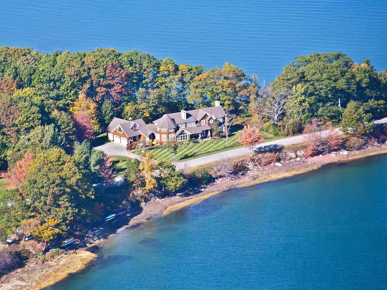 Vivienda unifamiliar por un Venta en Sea Meadows 280 Sea Meadows Lane Yarmouth, Maine, 04096 Estados Unidos