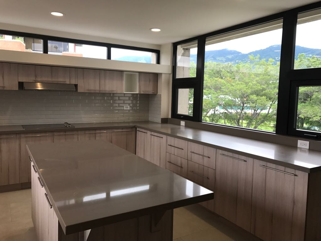 Additional photo for property listing at 7th Floor Condo with great view in Escazú Escazu, San Jose Costa Rica