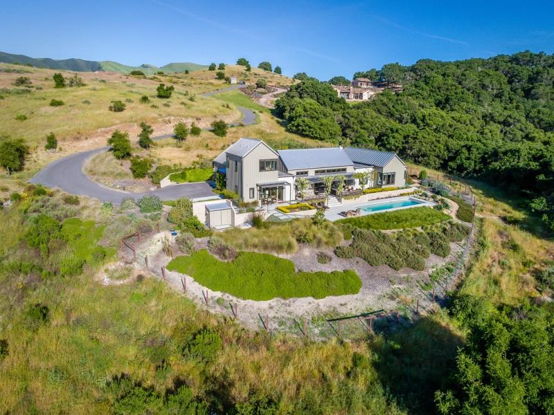 Maison unifamiliale pour l Vente à Custom Agrarian Farmhouse 725 Avenida Alcola Arroyo Grande, Californie 93420 États-Unis