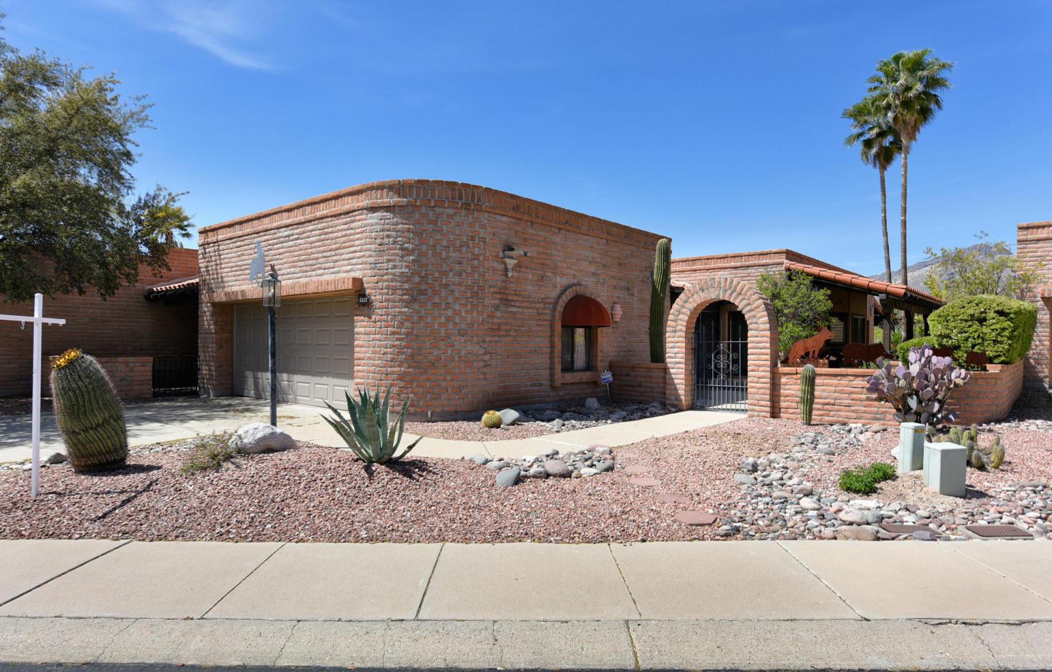 联栋屋 为 销售 在 Sunrise Territory Estates Lot 119 6625 E Via Algardi 图森, 亚利桑那州, 85750 美国