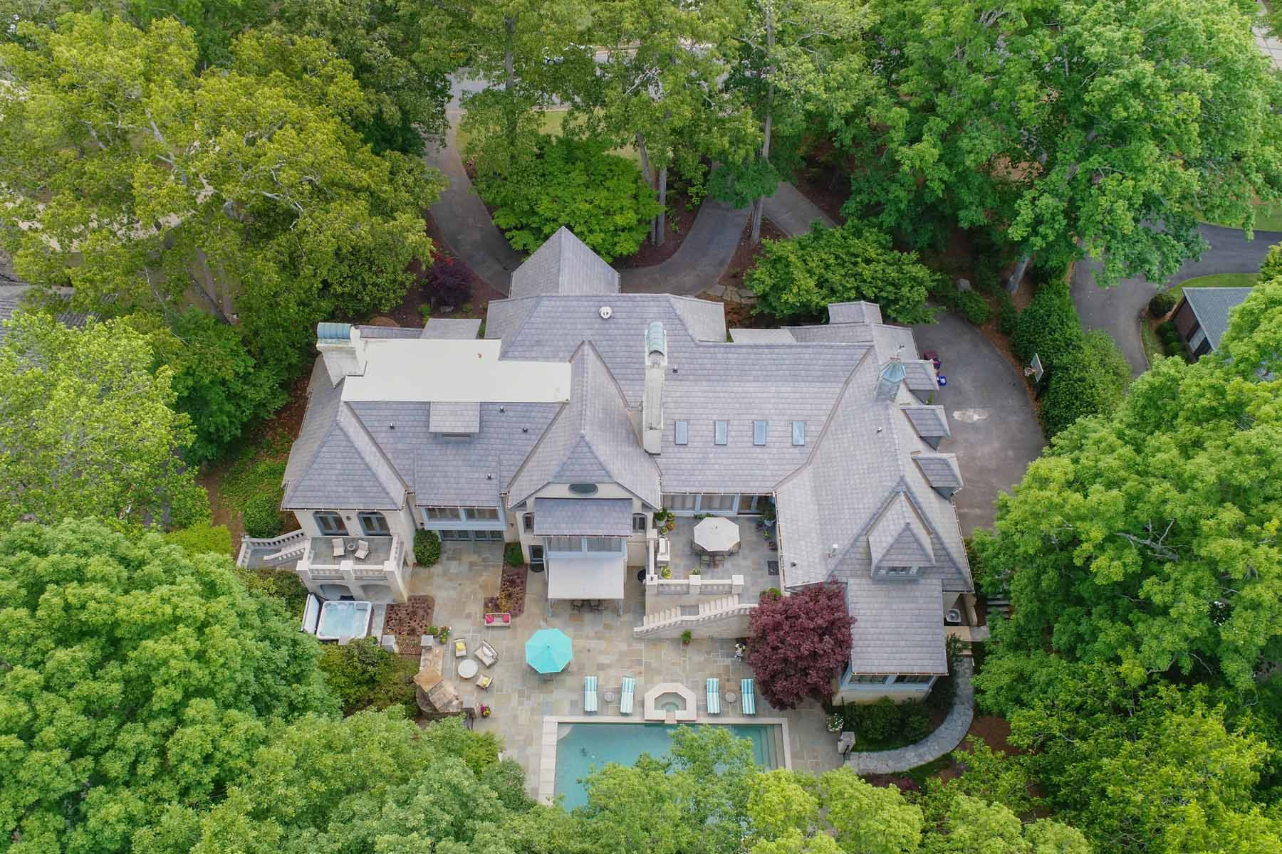 Single Family Home for Sale at Grand European-inspired Estate offering Stunning Golf Course Views 660 Atlanta Country Club Drive SE Marietta, Georgia 30067 United States
