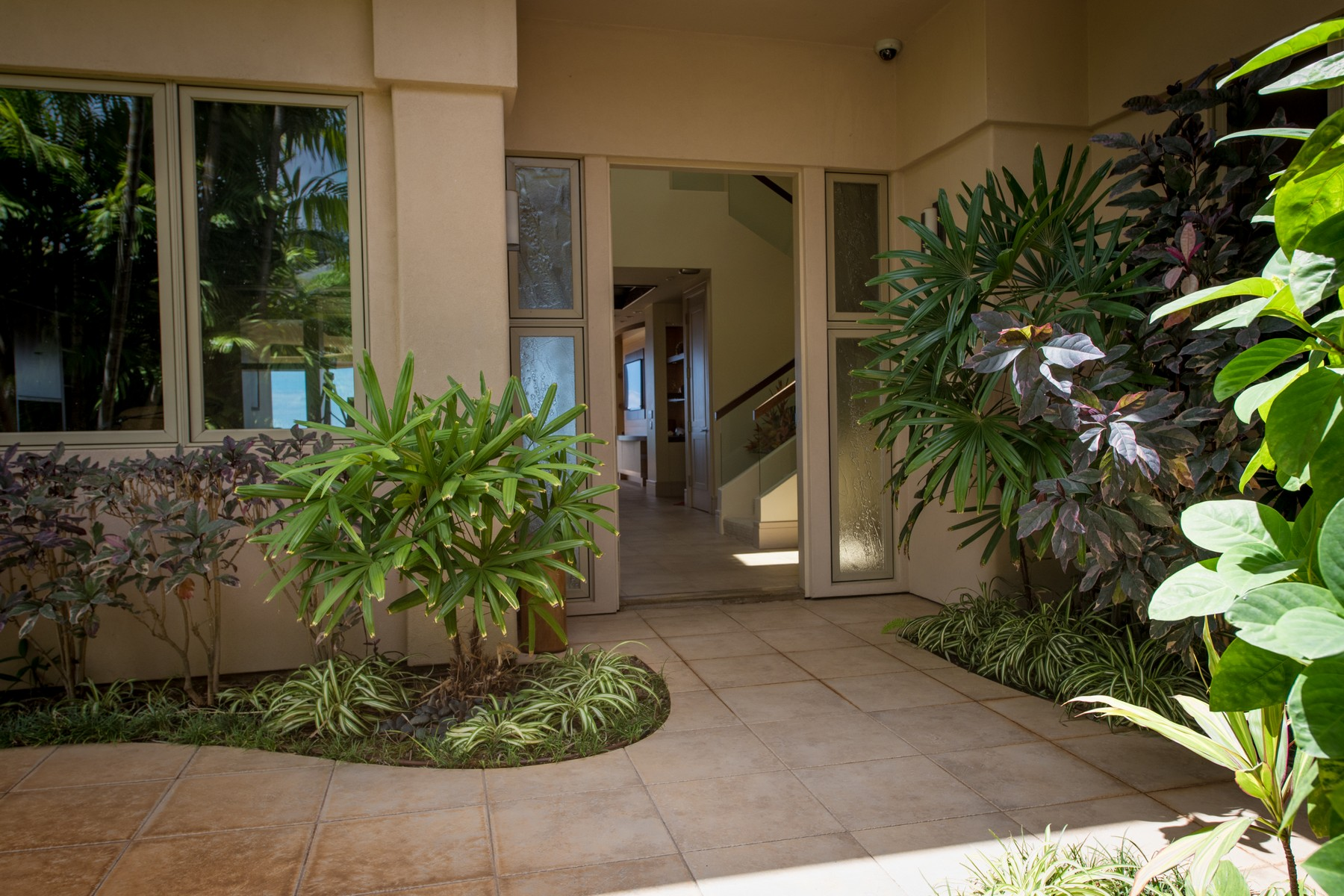 Single Family Home for Active at Stunning Estate In Pineapple Hill Kapalua 302 Cook Pine Drive Kapalua, Hawaii 96761 United States