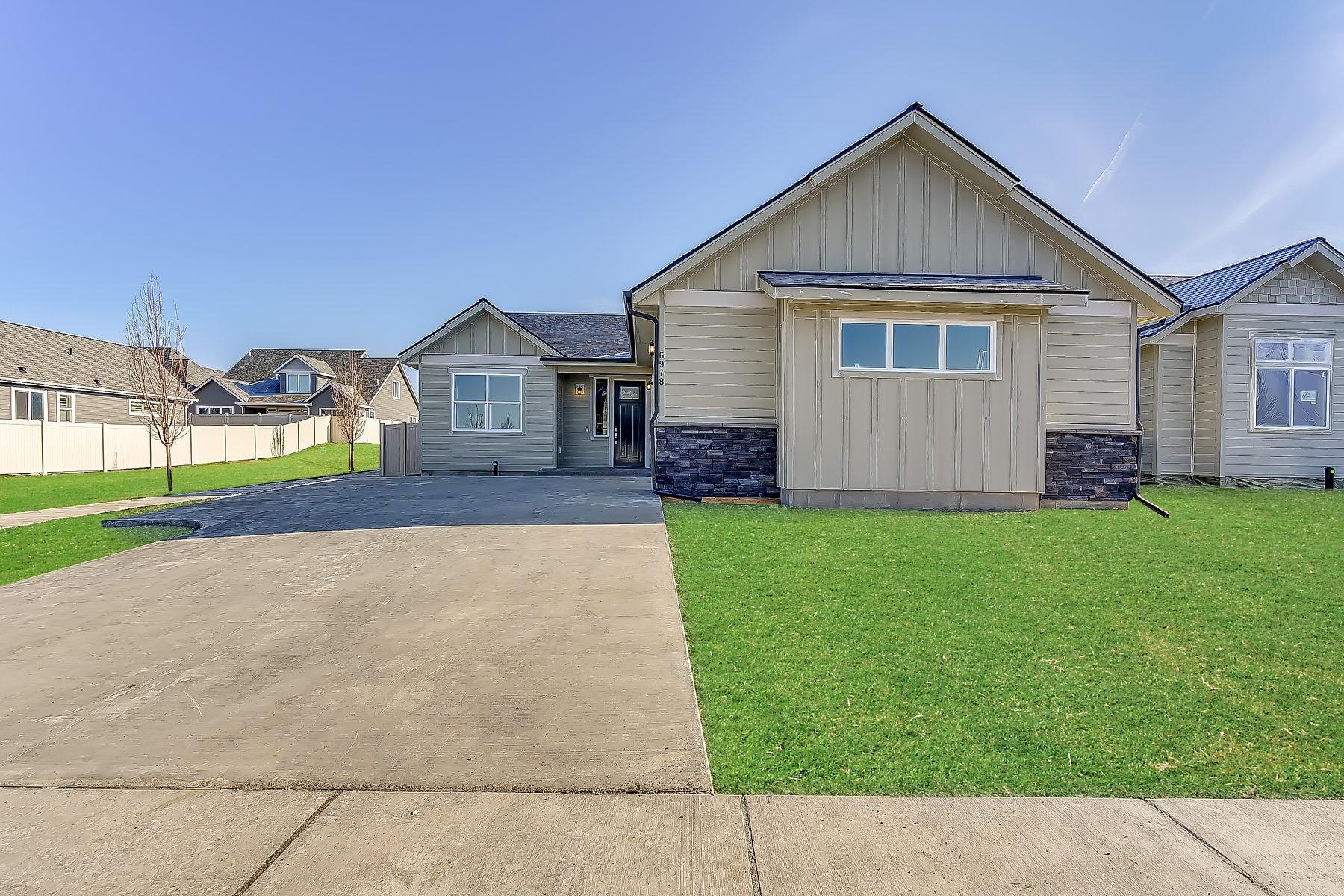 Single Family Homes für Verkauf beim 3664 N Cyprus Fox Lp 3670 N Cyprus Fox Loop, Post Falls, Idaho 83854 Vereinigte Staaten