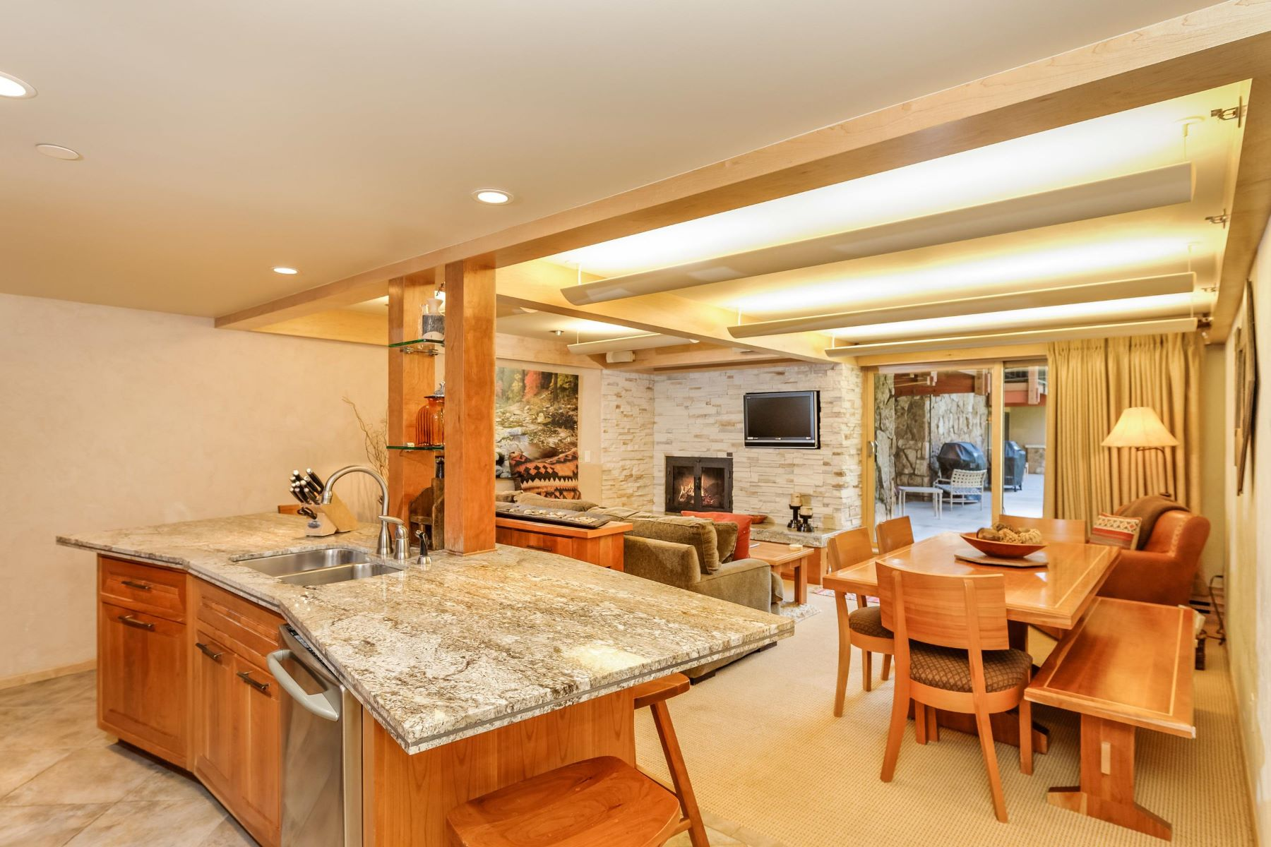 共管物業 為 出售 在 New Contemporary Stonebridge 30 Anderson Lane Unit 702/704, Snowmass Village, 科羅拉多州, 81615 美國