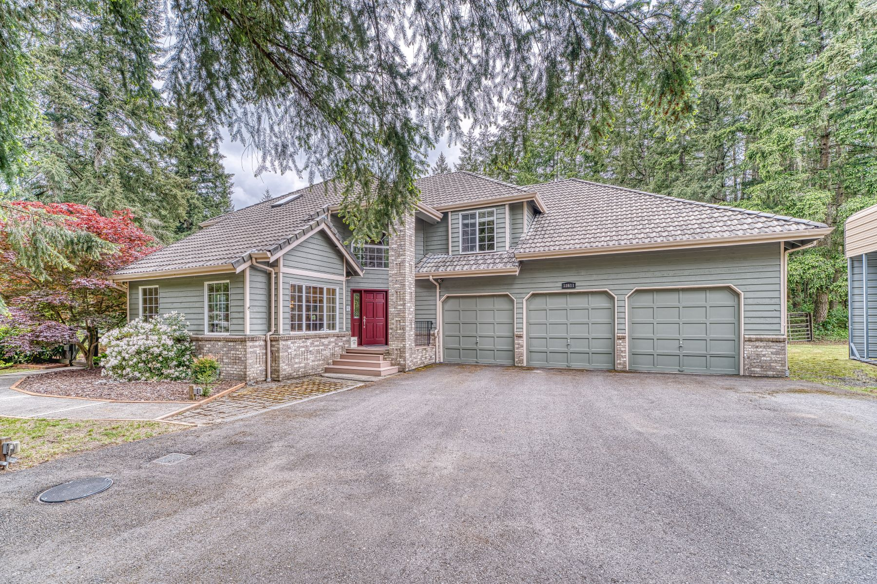 Single Family Homes for Sale at Private & Serene Cultivated Acreage 18611 SE 307th Lane, Kent, Washington 98042 United States