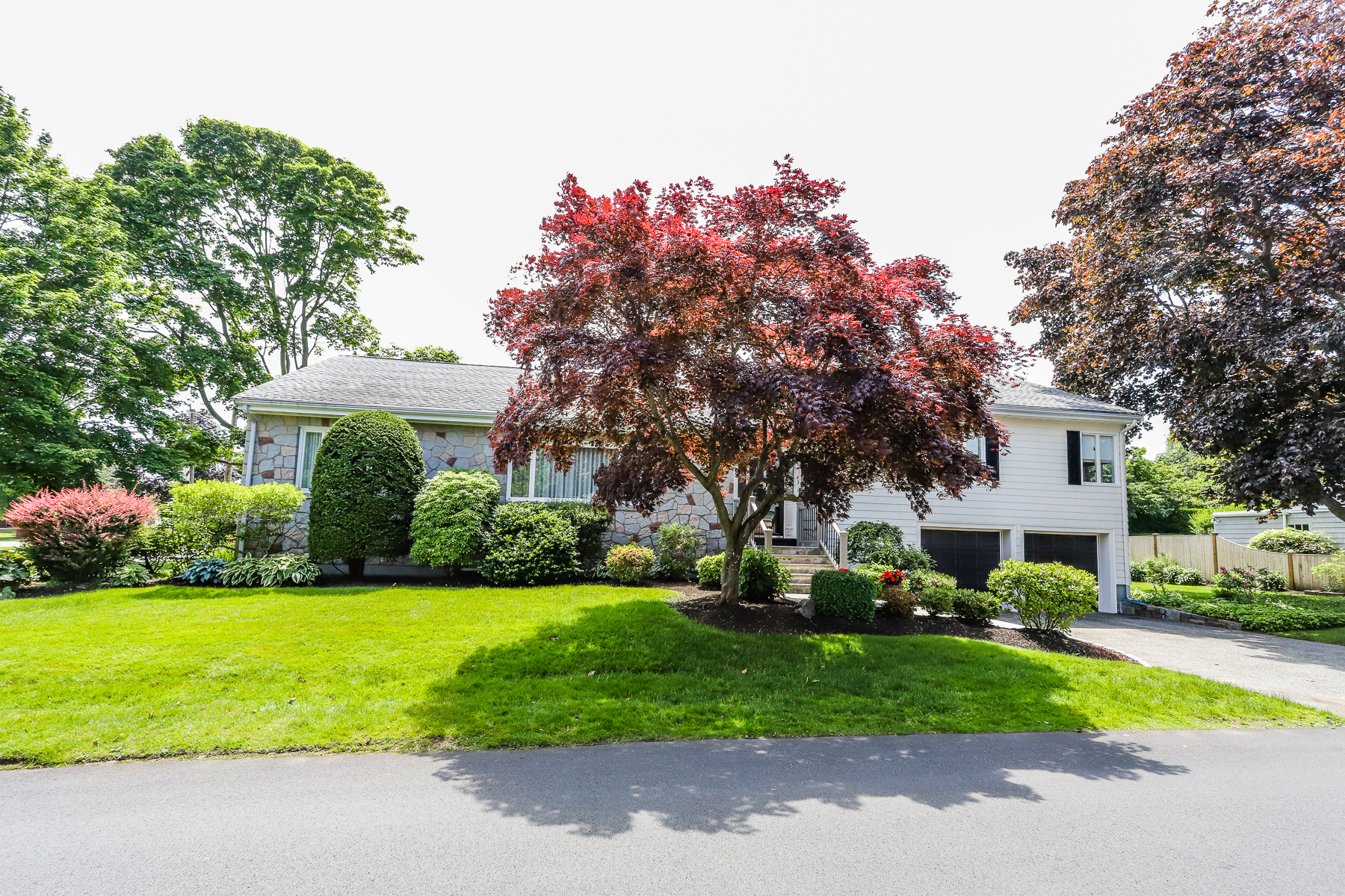 Single Family Homes για την Πώληση στο Pride of Ownership! 43 Leicester Road, Marblehead, Μασαχουσετη 01945 Ηνωμένες Πολιτείες