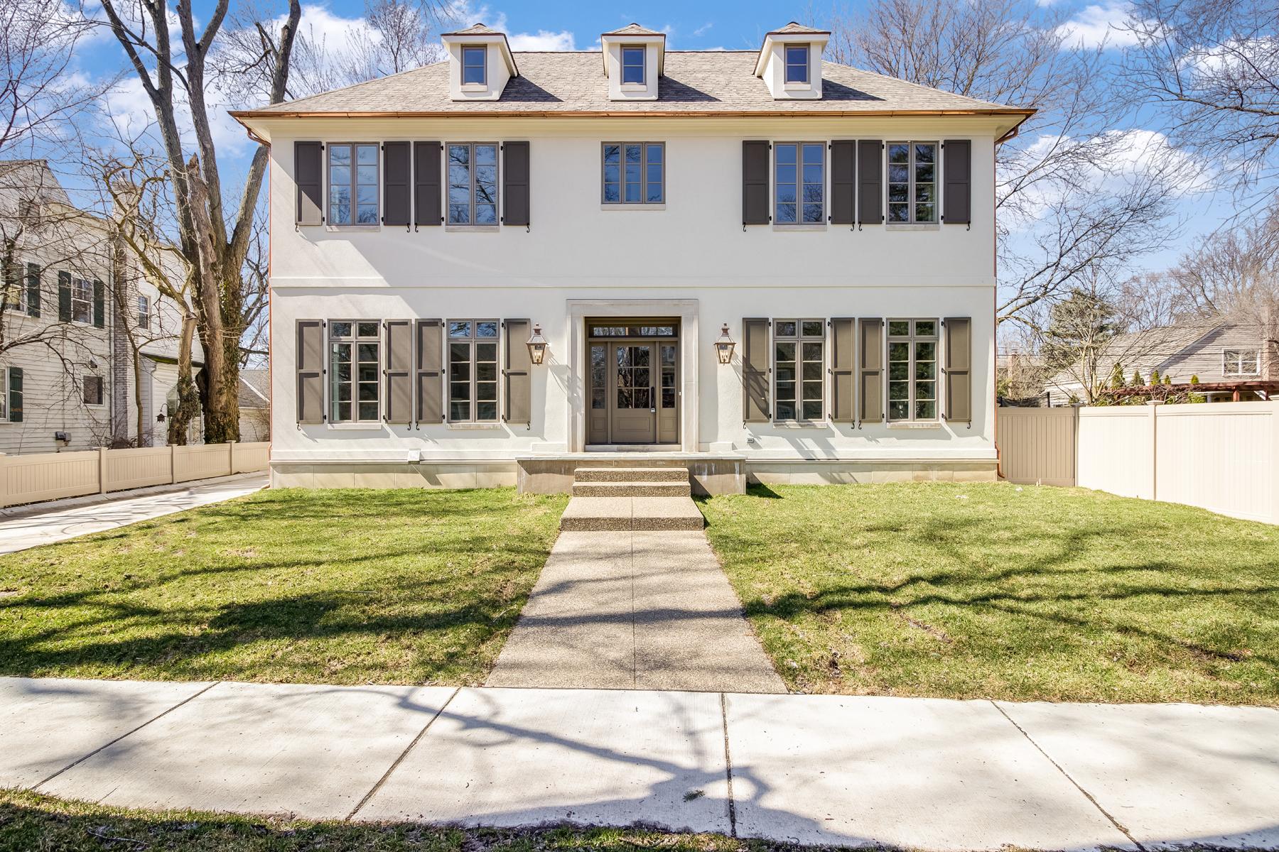 Nhà ở một gia đình vì Bán tại Birmingham 339 Chesterfield Avenue Birmingham, Michigan, 48009 Hoa Kỳ