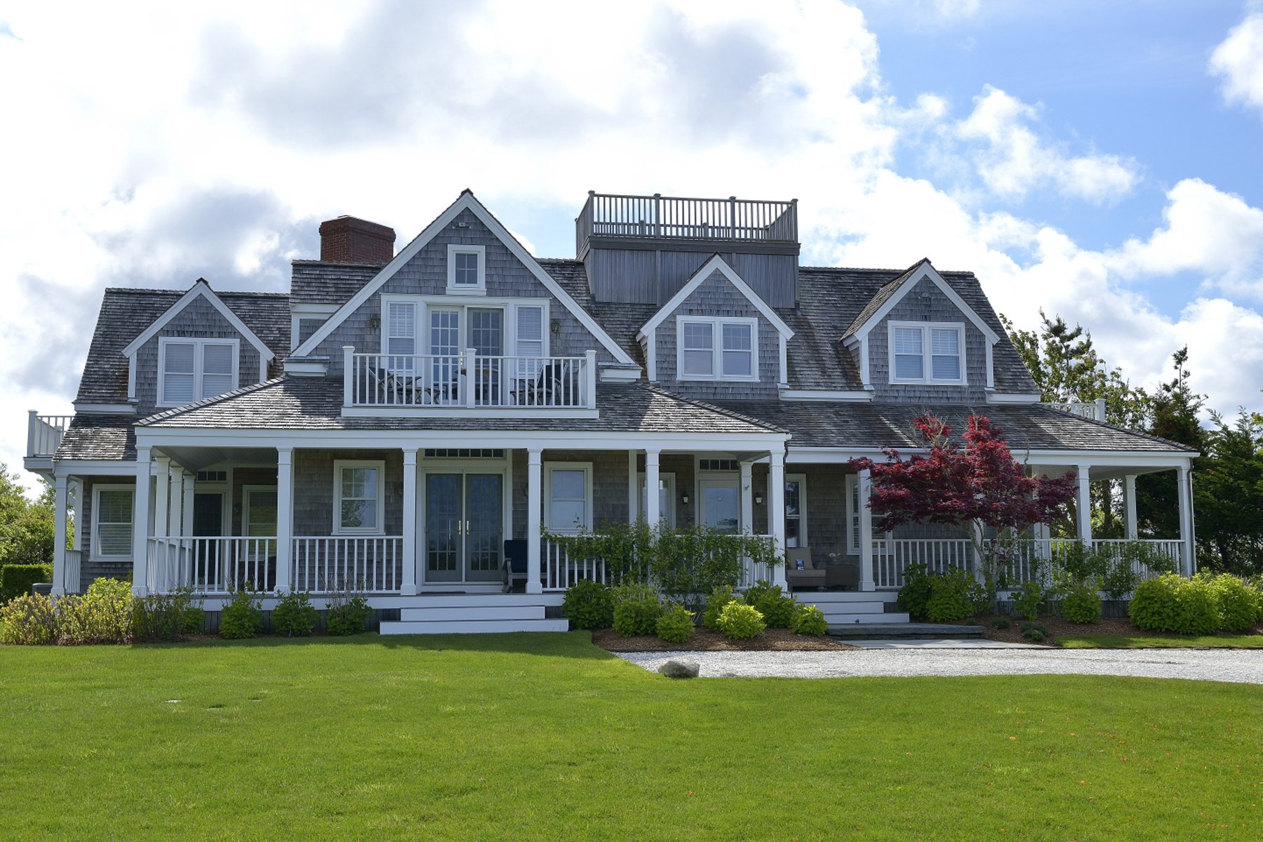 Casa Unifamiliar por un Venta en Exceptional Family Compound and Gorgeous Ocean Views 60 Squam Road Nantucket, Massachusetts, 02554 Estados Unidos