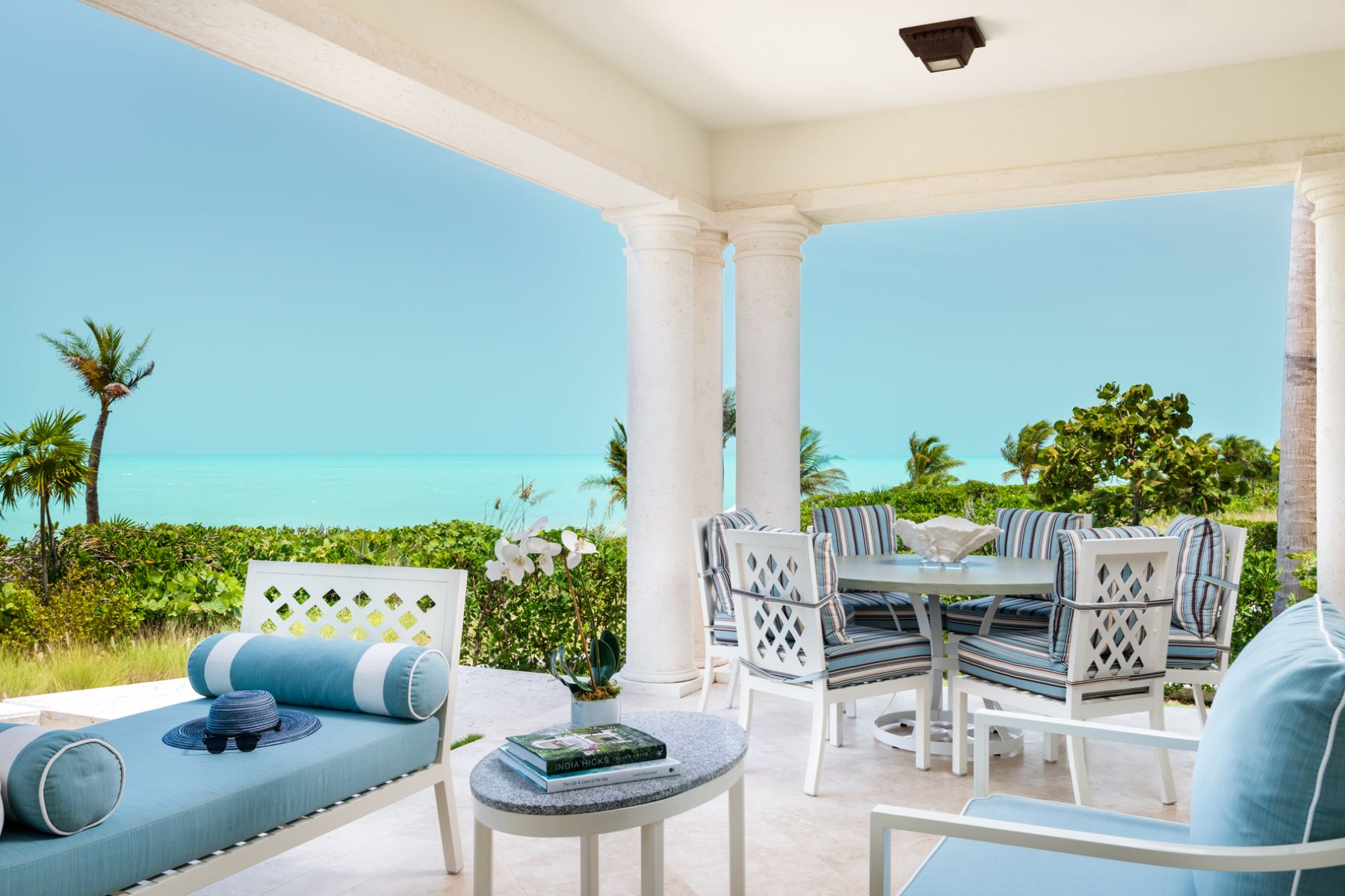 Additional photo for property listing at The Shore Club ~ Suite 1110.11.12 Beachfront 长湾, 普罗维登夏 TCI 特克斯和凯科斯群岛