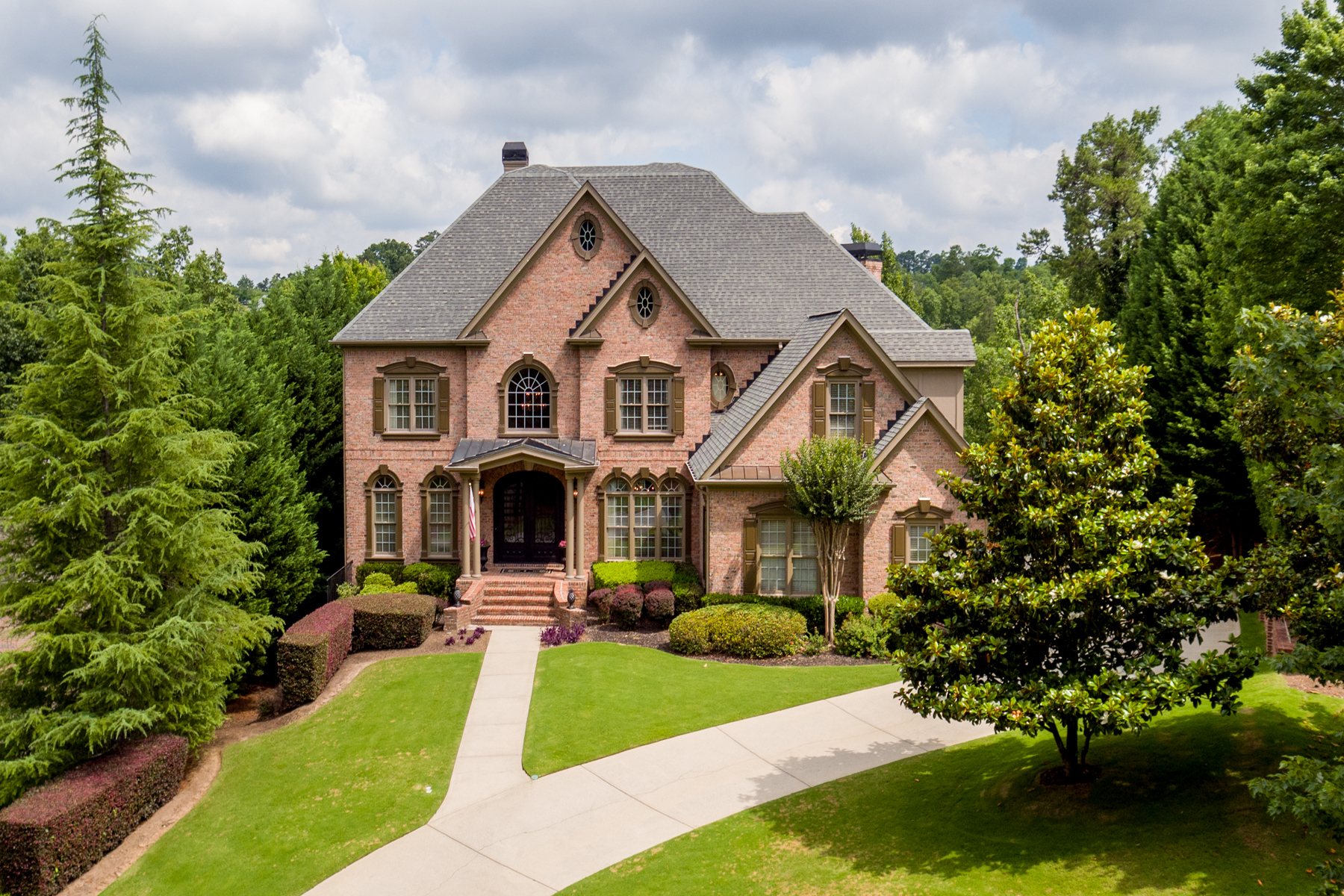 獨棟家庭住宅 為 出售 在 Exceptional Poolside Retreat With Golf Views 10210 Brixton Place, Suwanee, 喬治亞州, 30024 美國