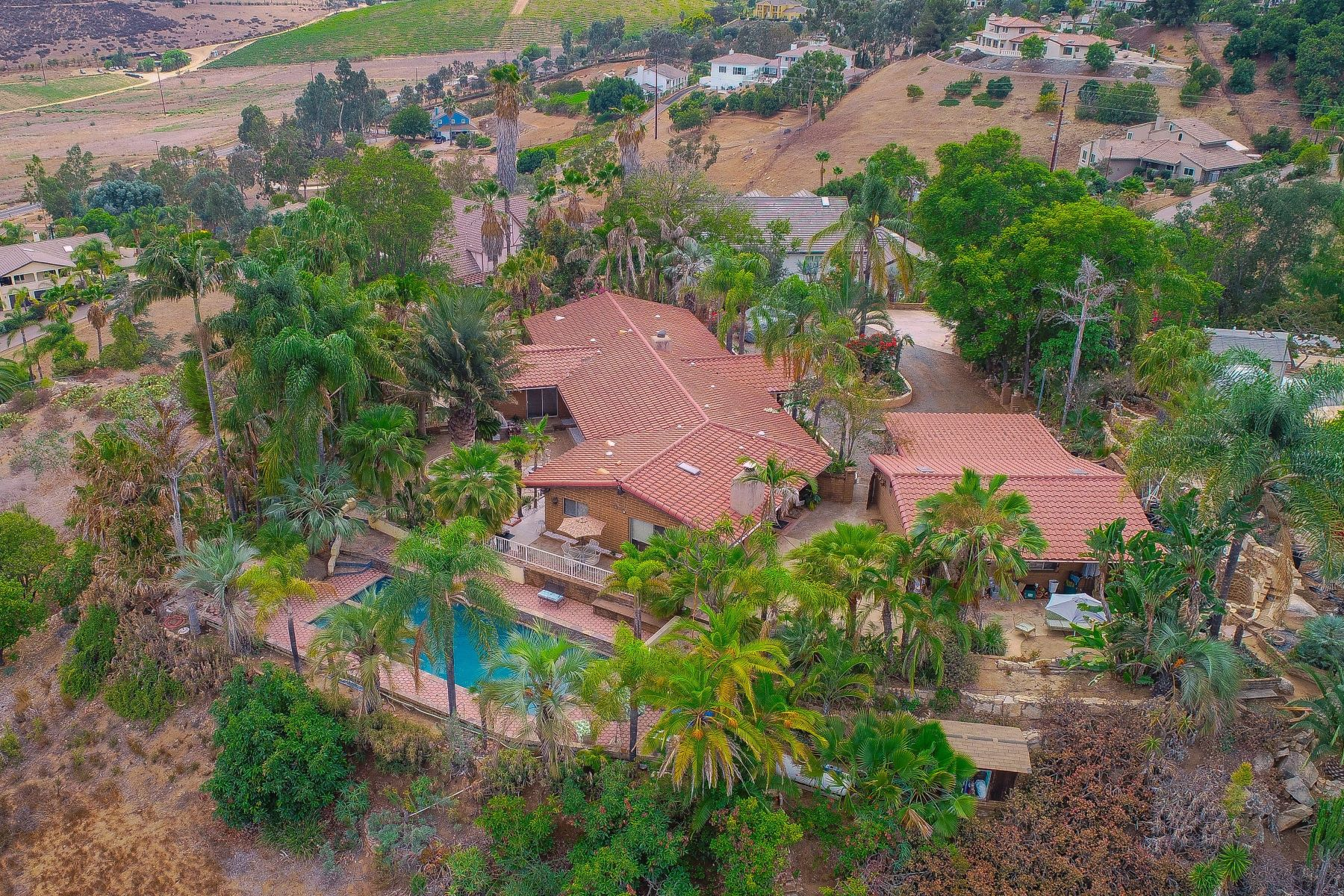 Single Family Home for Active at 2860 Sunset Hills Escondido, California 92025 United States
