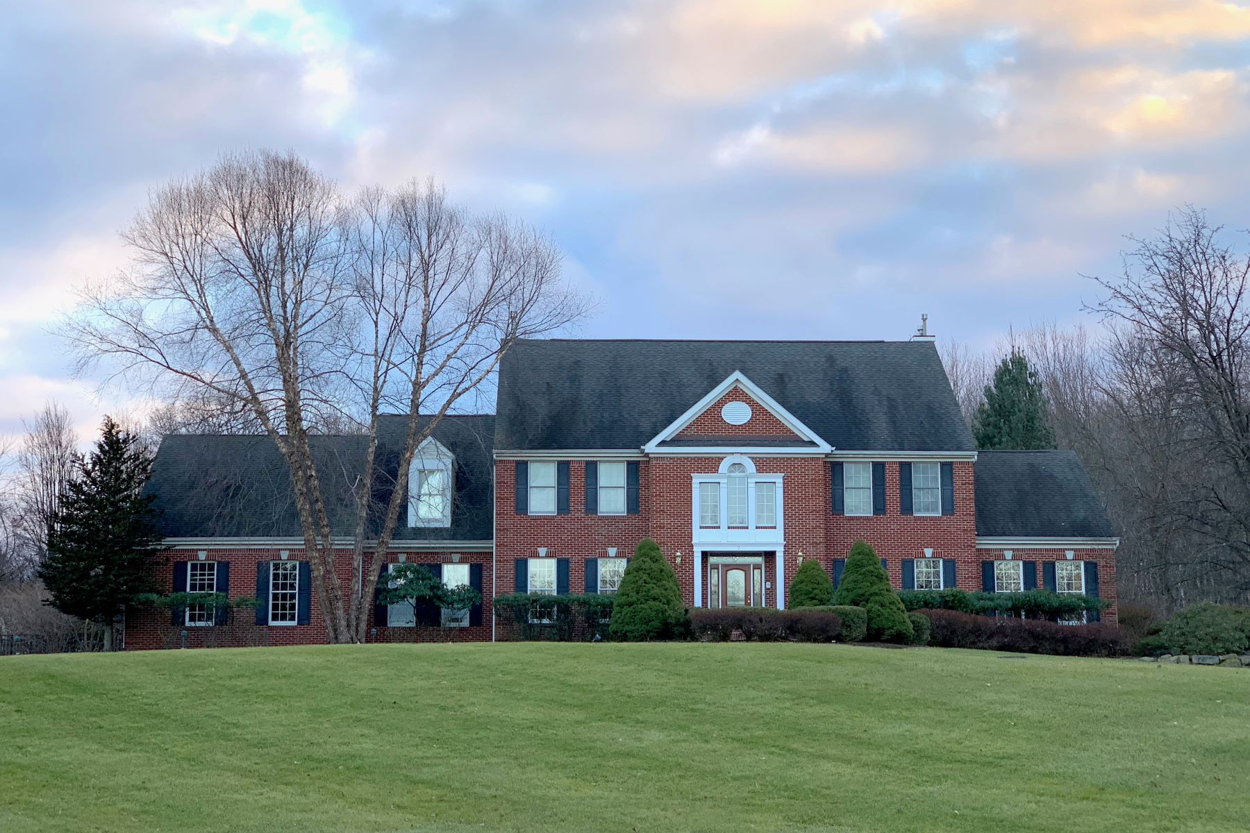 Single Family Homes for Sale at Elegant Colonial 2 Harvest Lane Long Valley, New Jersey 07853 United States