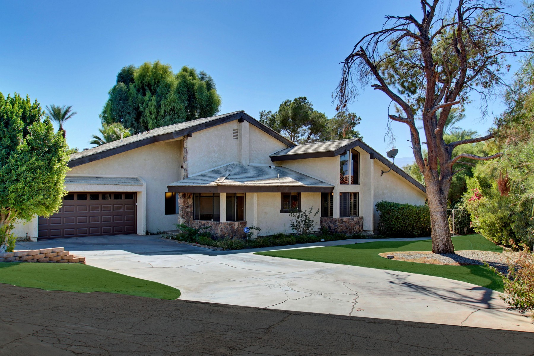 Single Family Home for Sale at 79705 Bermuda Dunes Bermuda Dunes, California 92201 United States