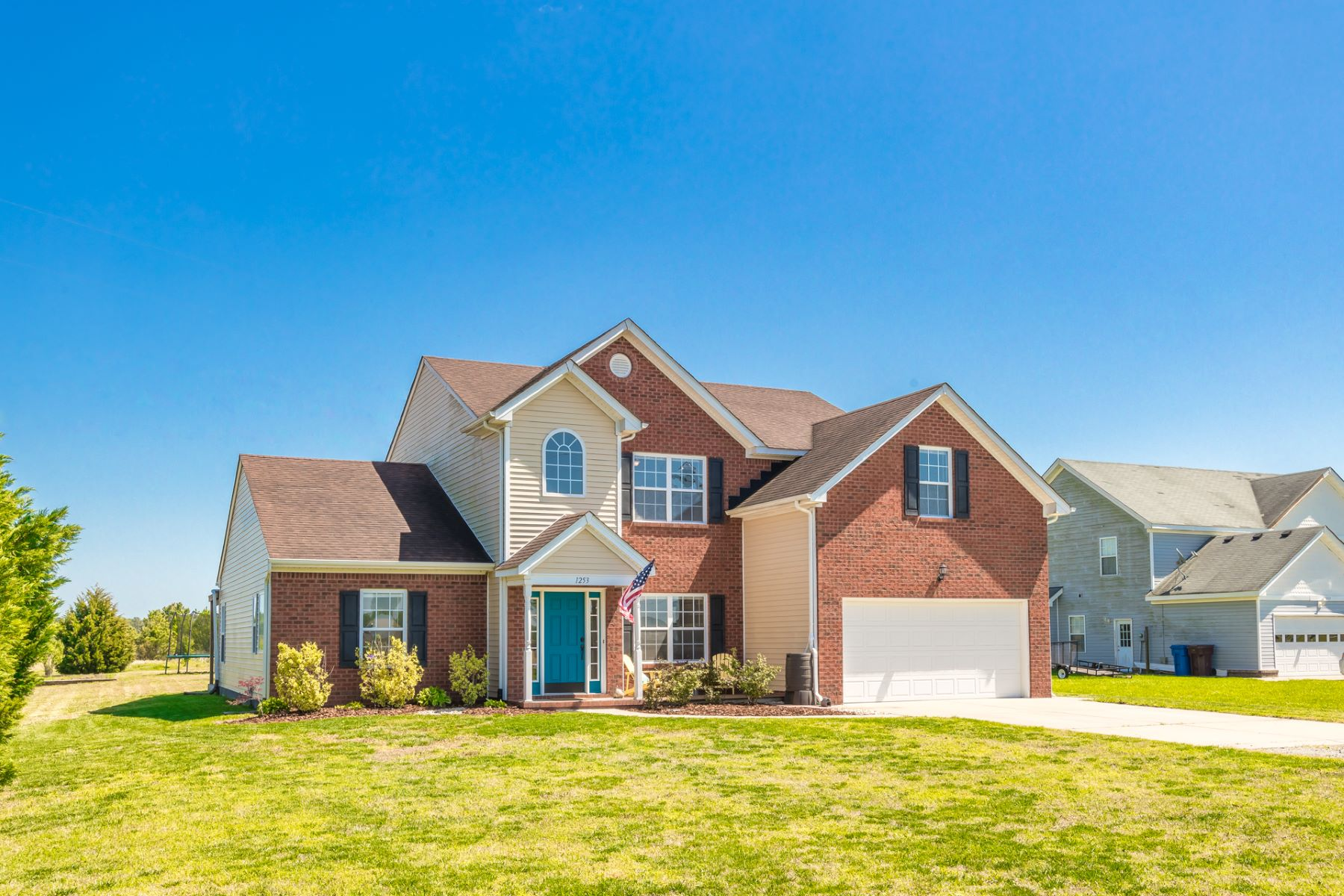 Single Family Homes 為 出售 在 SHILLELAGH ESTATES 1253 Shillelagh Road, Chesapeake, 弗吉尼亞州 23323 美國