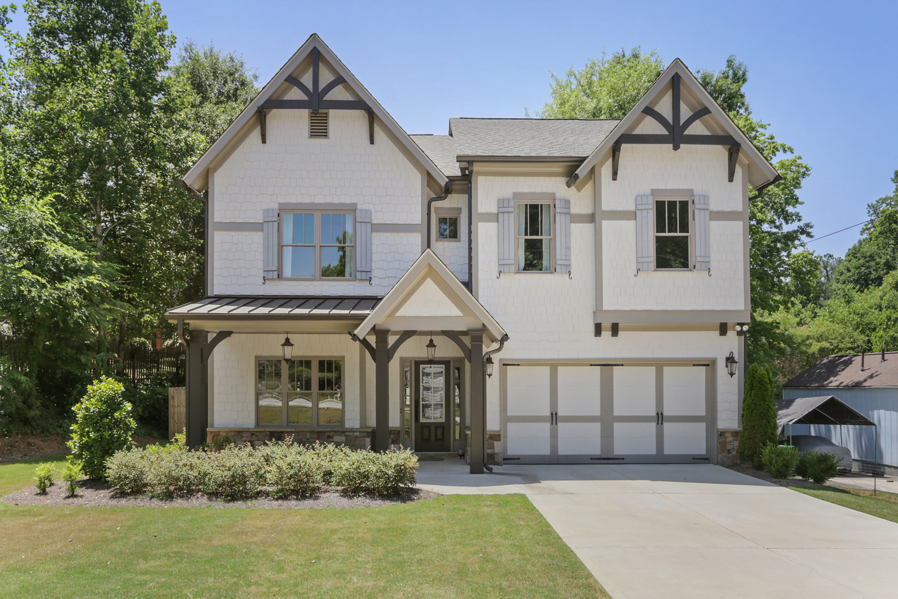 Single Family Homes 용 매매 에 Pristine Brookhaven Craftsman Inspired Home 2728 Archway Dr, Brookhaven, 조지아 30341 미국