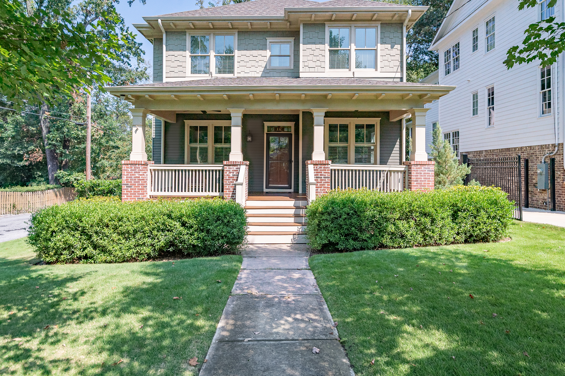 Single Family Homes для того Продажа на Stunning Peachtree Hills Home 132 Springdale Dr, Atlanta, Джорджия 30305 Соединенные Штаты