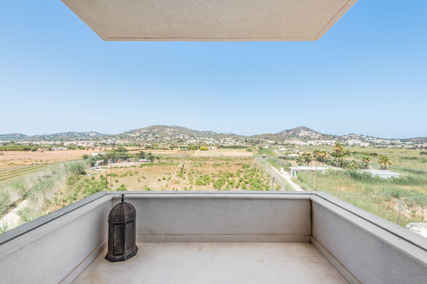 Appartamento per Vendita alle ore Lovely Apartment With Open Views To Talamanca Ibiza, Ibiza, 07800 Spagna