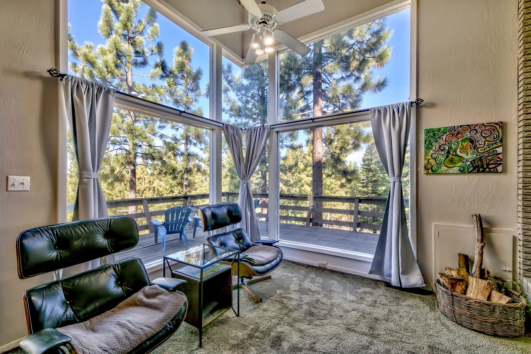 Additional photo for property listing at 3775 Overlook Court, South Lake Tahoe, CA 96150 3775 Overlook Court South Lake Tahoe, California 96150 United States