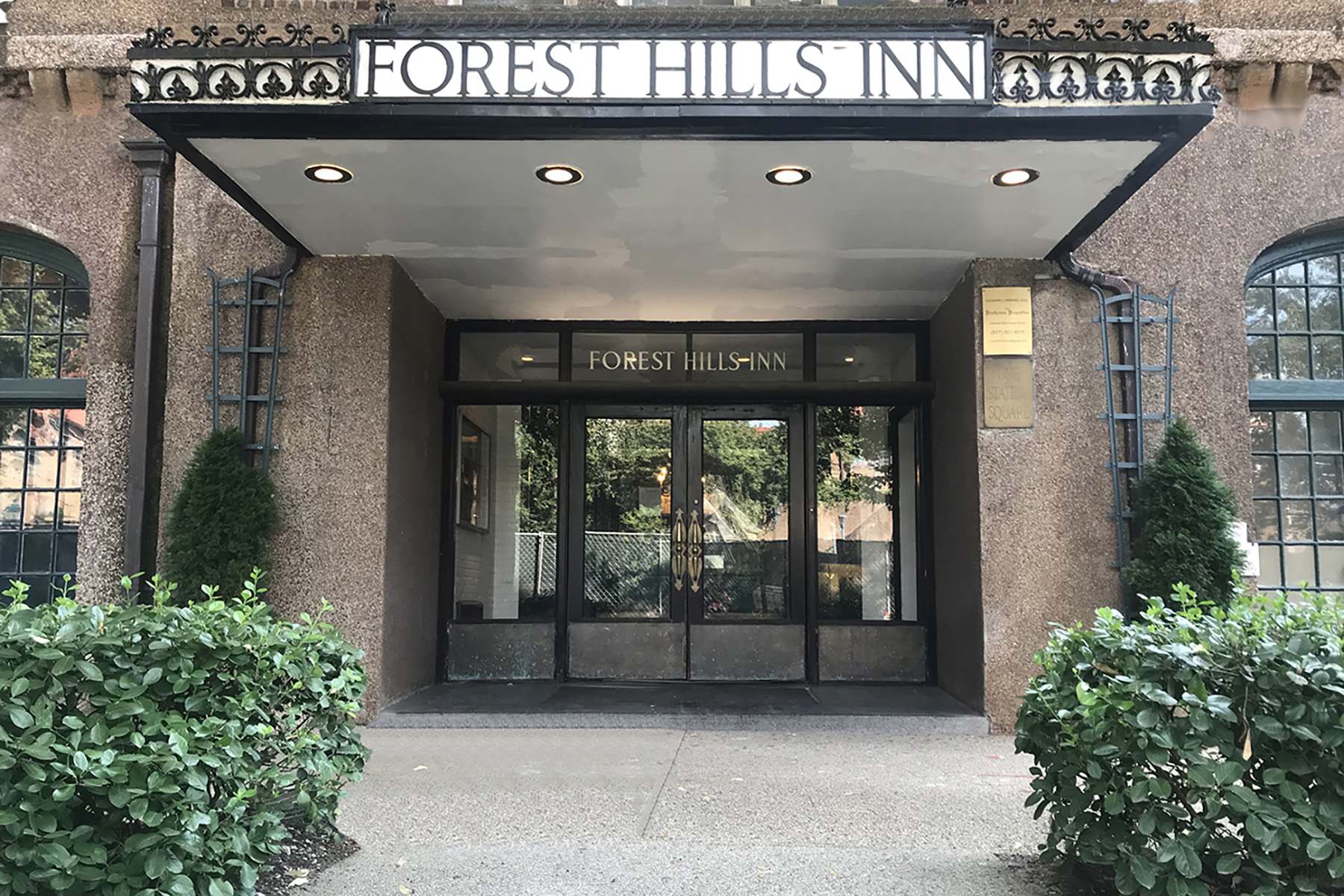 "Additional photo for property listing at ""DIAMOND IN THE ROUGH"" 2 Dartmouth Street, #M25, Forest Hills Gardens,, Forest Hills, New York 11375 Förenta staterna"
